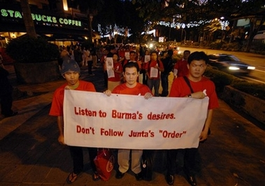 Burmese protest at orchard 1