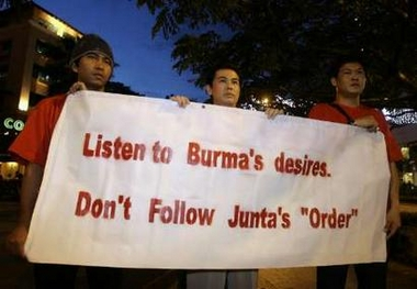 Burmese protest at orchard 4